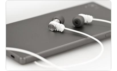 Kontroluj muzykę i prowadź rozmowy